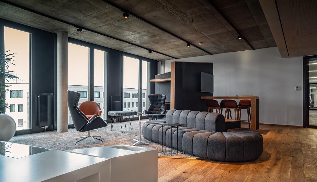Hochwertige Möbel in der FUNKE Lounge